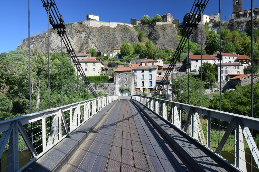 Le Pont suspendu de Chilhac.